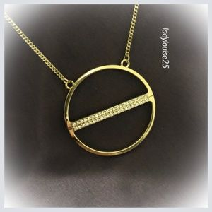 Jewelry - Gold Tone Necklace w/ Circle Pendant